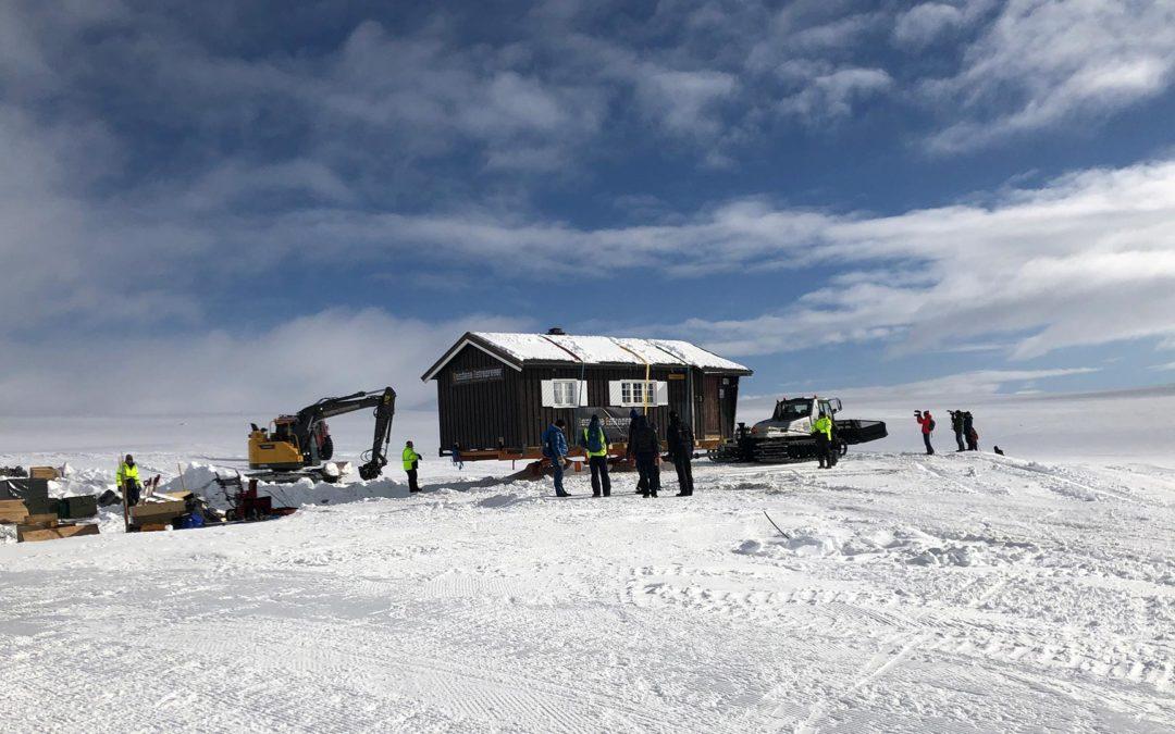 DNT-hytte ble flyttet av hensyn til villreinen